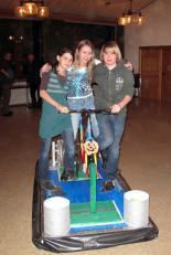 (v.l.n.r.) Laura Trenz, Jessica Hof und Max Scholer