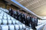 Gruppenfoto in eindrucksvoller Atmosphäre der Münchner Allianz Arena